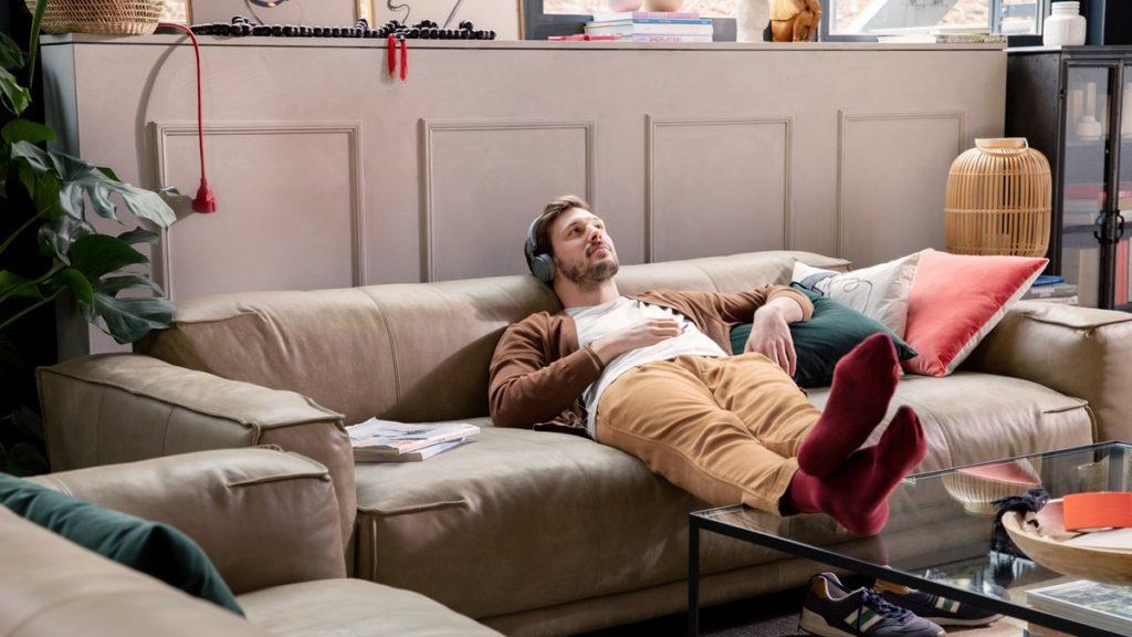 Singles mit begrenztem Platz bevorzugen meist die klassische Sofabank.